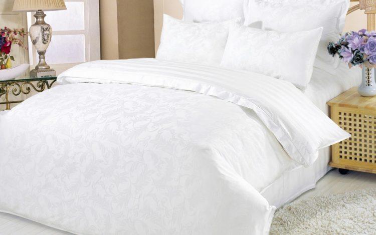 Белое постельное