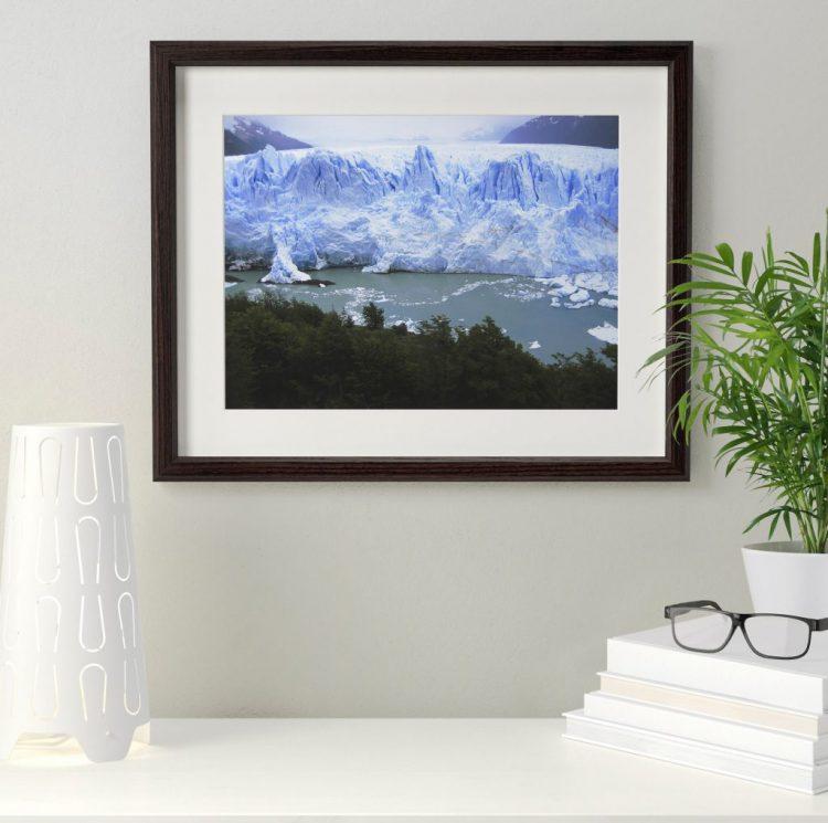 Картина с водоемом